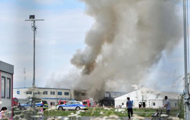 Пожежа в таборі біженців у Німеччині: постраждало 15 людей