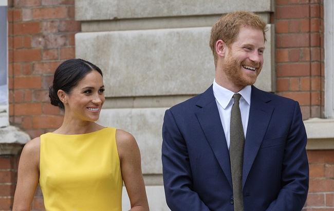 Рідше з'являтимуться на публіці: принц Гаррі стурбований ажіотажем навколо його дружини