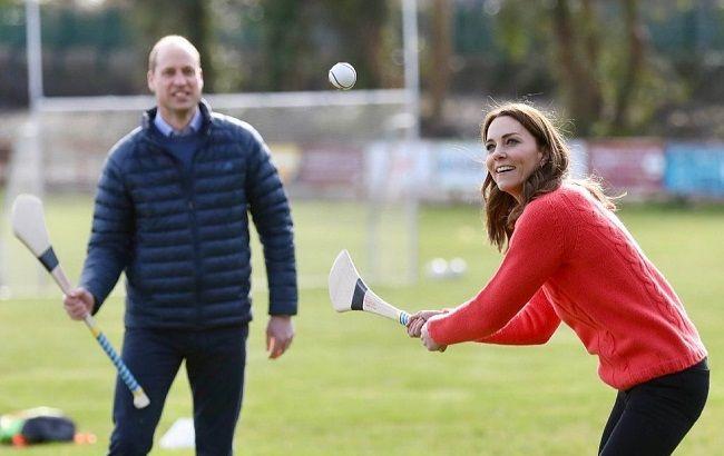 Мама трьох дітей: Кейт Міддлтон в облягаючих штанях підкорила ідеально стрункими ніжками