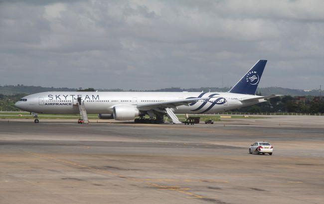 Бомба, найденная в самолете Air France, оказалась муляжом