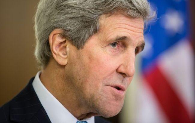 Керри призвал Лаврова отвести российские войска с Донбасса