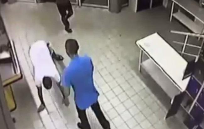 Опубликовано видео убийства в харьковском супермаркете