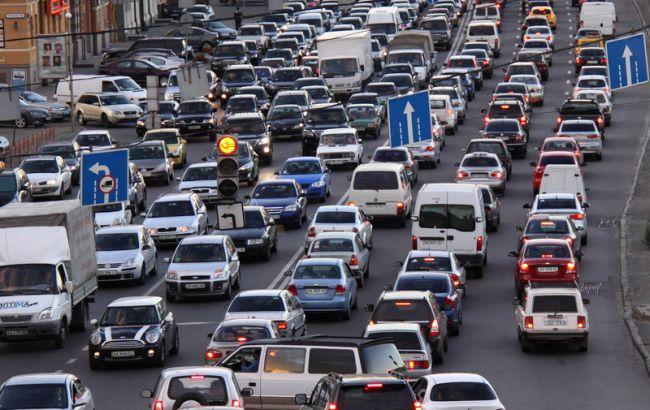 Ожидание дефолта оживило рынок продаж легковых автомобилей