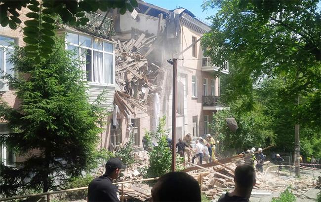 Фото: взрыв дома в Киеве (twitter.com/Kir aka Dober)