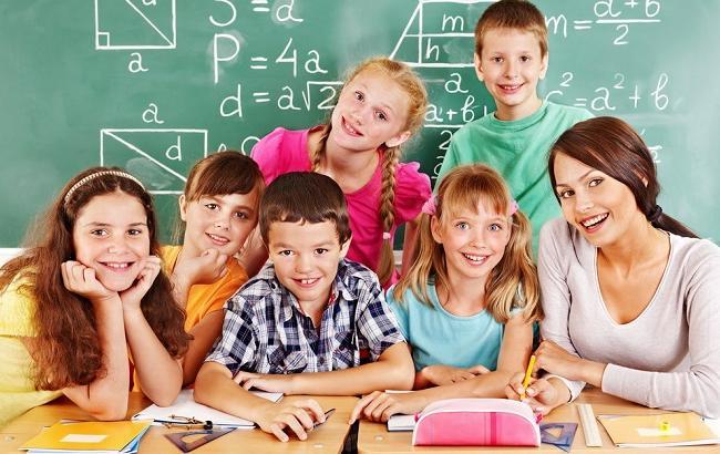 Фото: День учителя - 2 октября (shutterstock.com)