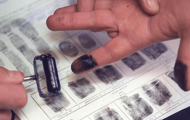 Фото: у РФ вводять обов'язкову дактилоскопію для іноземців
