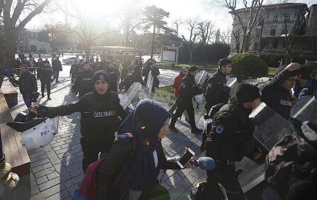 Вибух у Стамбулі: загинули 10 і поранено 15 осіб