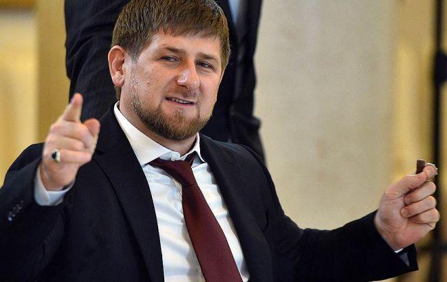 """Кадиров подарував """"Нічним вовкам"""" 16 мотоциклів"""