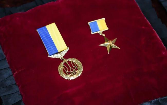 "Зеленский присвоил звание Героя погибшему бойцу ""Айдара"""