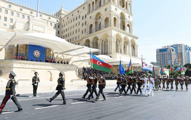 С Эрдоганом и турецкими военными: в Баку прошел парад в честь победы в Карабахе