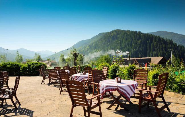 Басейни, чани і спа-відпочинок: кращі ідеї для весняної відпустки в Карпатах