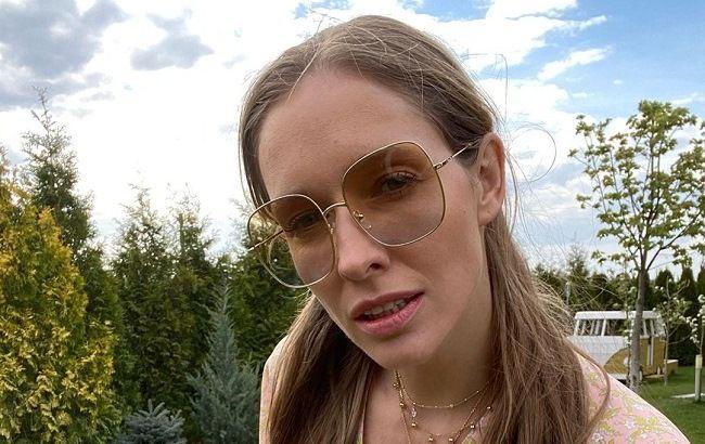 Бизнес-леди из 80-х: Катя Осадчая покорила стильным образом в ретро-стиле