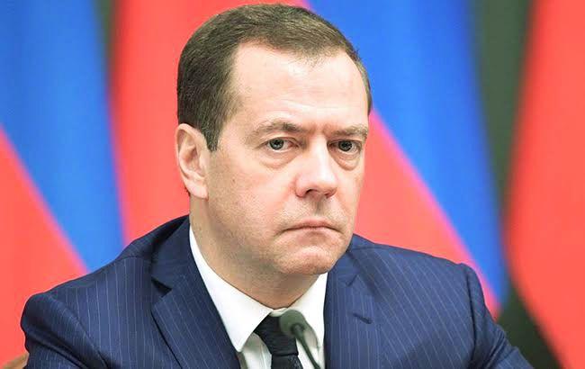 Премьер РФ  собрался в захваченный  Крым