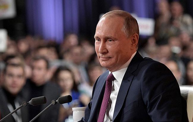 РФ готова передати Україні кораблі з анексованого Криму, - Путін