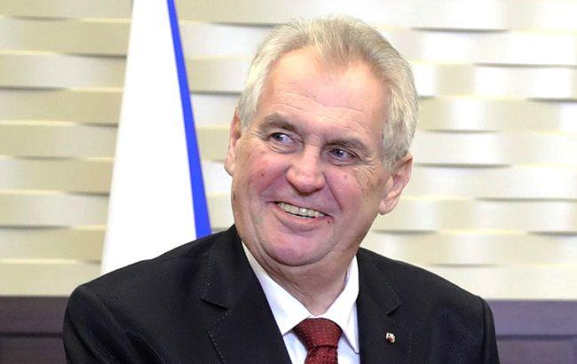 Президент Чехії заявив про необхідність зміни Конституції України