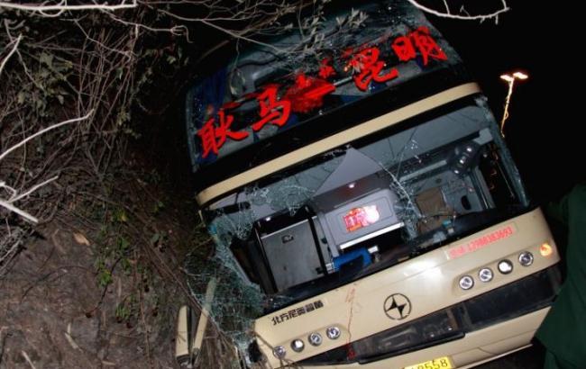 Десять человек погибли вДТП сучастием автобуса вКитайской республике