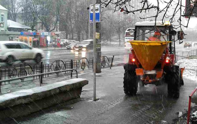 Фото: снегоуборочная техника (kyivcity.gov.ua)