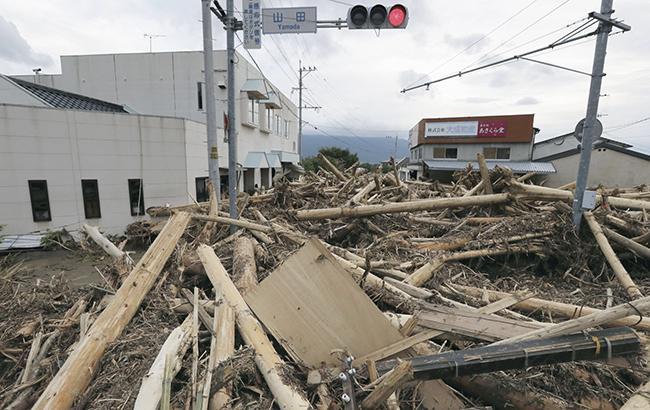 Фото: последствия наводнения в Японии (KYODO)