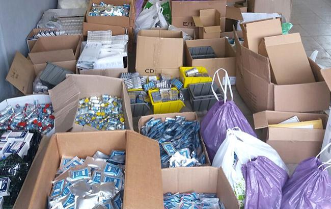 Отсутствие в аптеках и больницах лекарств вынуждает украинцев лечиться контрабандными препаратами (flickr.com)