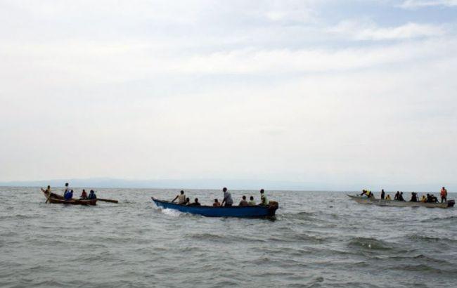 ВУганде затонуло судно сфутболистами иболельщиками