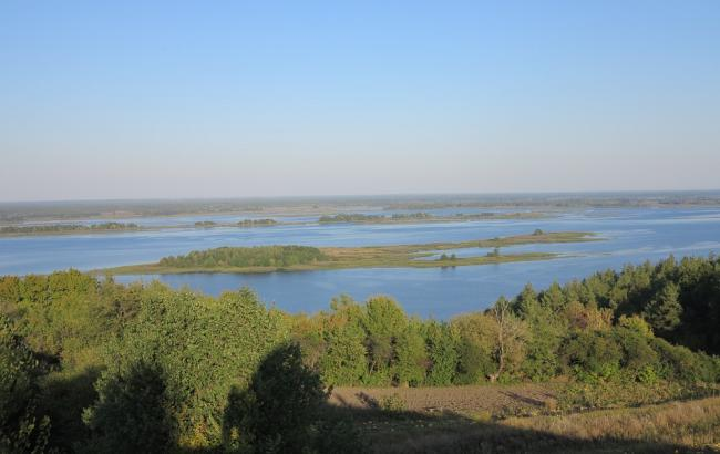 Чоловік потонув на дні річки Дніпро