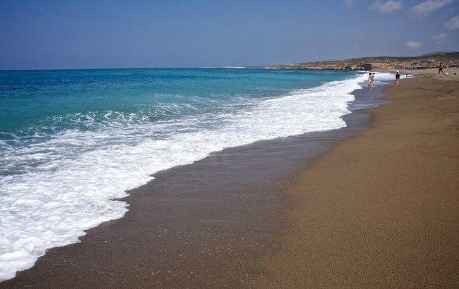 Фото: розроблені платіжні браслети для пляжників (cyprusisland.net)