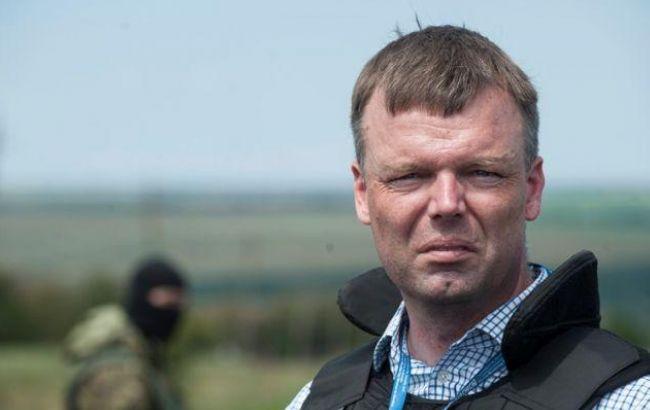 Граждане Донецка сняли навидео побег миссии ОБСЕ изгорода