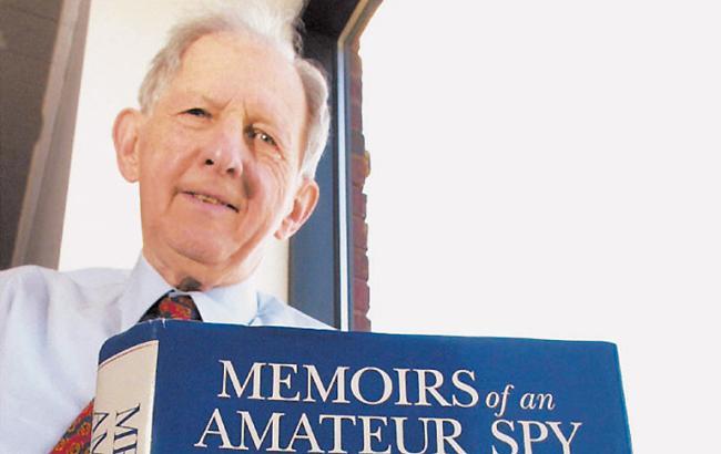 Умер первый шпион времен холодной войны