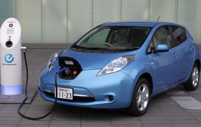 Фото: Лідер українського ринку електрокарів Nissan Leaf (facebook.com)