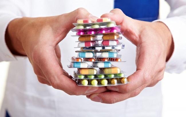 Фото: МОЗ намагається розблокувати постачання ліків до України