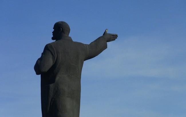 """У Запорізькій області з Леніна """"зробили"""" Пилипа Орлика"""