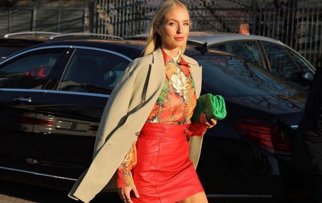 Трикожаная или плиссе: стилист показала, как носить юбку этой осенью