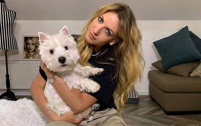 Богиня троллінгу: Леся Нікітюк спробувала розплатитися на заправці своєю собакою