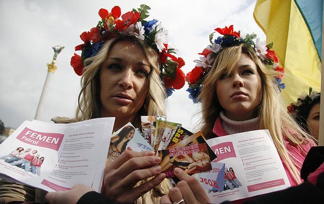 Активістки Femen намагалися зірвати концерт голлівудського режисера