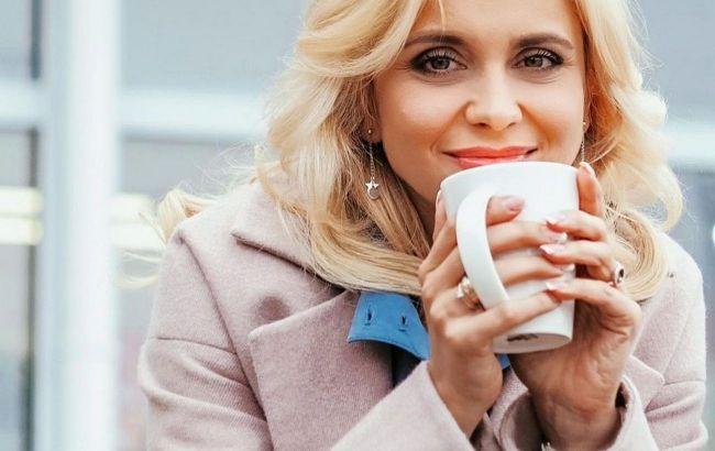 Дико красива: Лілія Ребрик з розкішним декольте поділилася секретом щастя