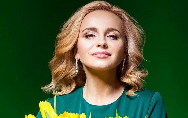 Пані на мільйон: Лілія Ребрик підкорює розкішним образом у народному стилі