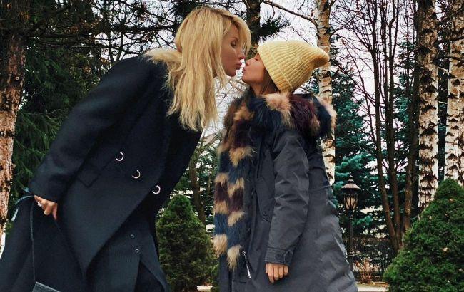 Тричі мама: Світлана Лобода захопила фото своїх вже майже дорослих доньок