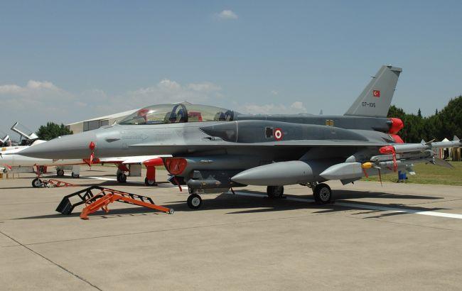 Турция опровергла уничтожение истребителя Армении