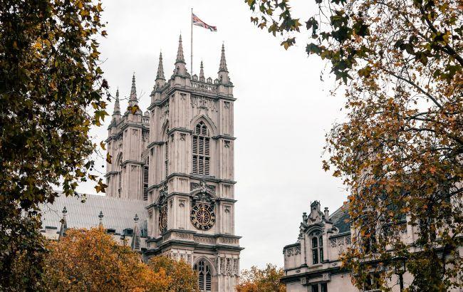 """Суворі правила та дорогі ПЛР-тести. Як живе """"карантинний"""" Лондон без туристів"""