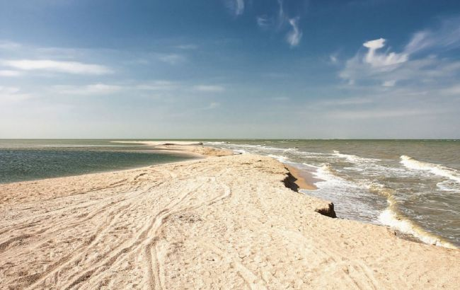 Цены снижены: где и по какой цене отдохнуть на живописной косе Азовского моря