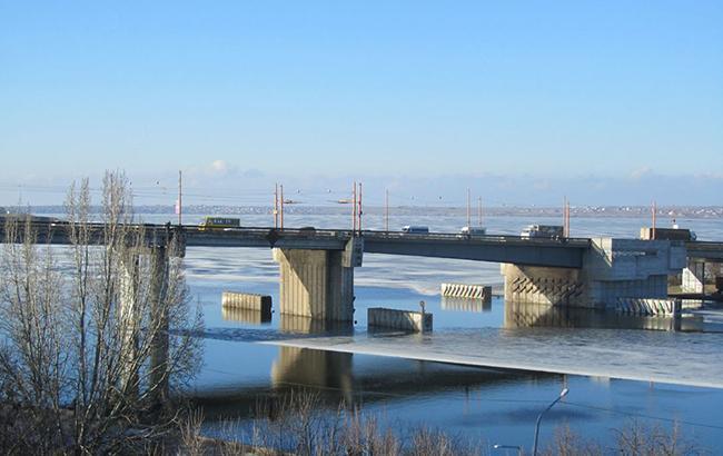 У Миколаєві горе-матір викинула з мосту свого дев'ятимісячного малюка