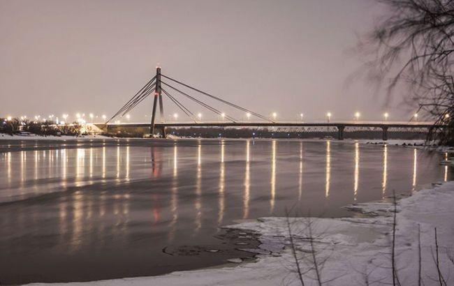У Києві обмежили рух на Північному мосту
