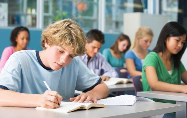 У Нідерландах скасували іспити через появу завдань в соцмережах