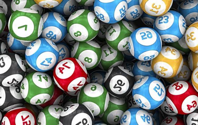 Кабмин в 2018 году может продать лицензию на проведение лотерей нескольким компаниям