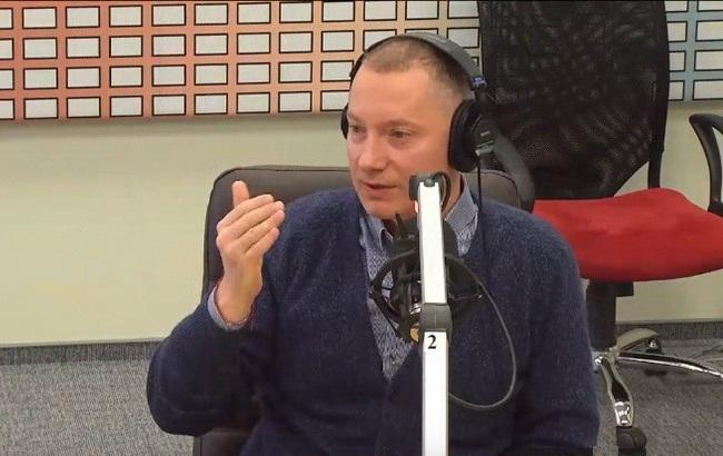 """Фото: Борис Ложкін у недільному радіоефірі (""""Ютуб""""-канал /""""Радио Вести"""")"""