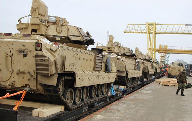 До Литви прибули американські танки та БМП