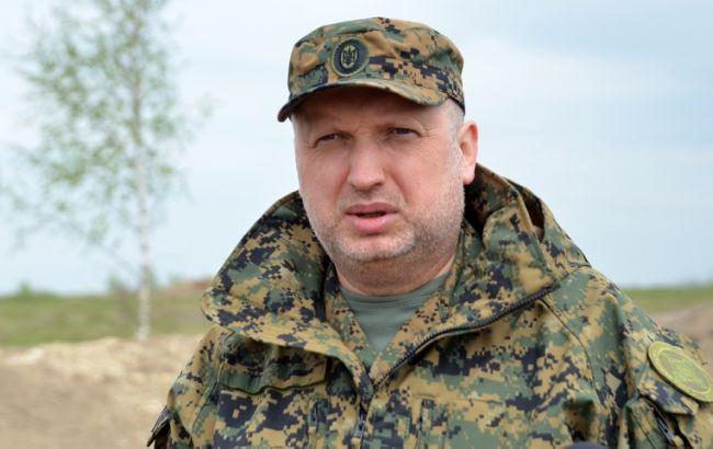 Турчинов: в Україні розпочинається виробництво бойових безпілотників