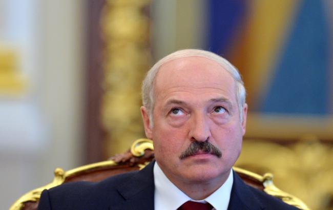 С государства Украины потоком идет оружие ивзрывчатка, объявил Лукашенко