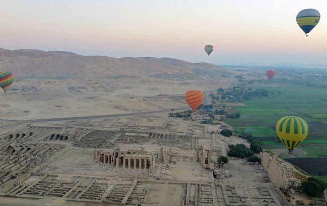 Над Долиной царей: в Египте возвращают популярное развлечение для туристов