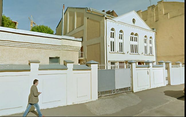 У львівську синагогу кинули коктейль Молотова